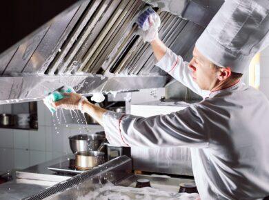 Optimiser l'hygiène de votre restaurant grâce au nettoyage de la hotte de cuisine